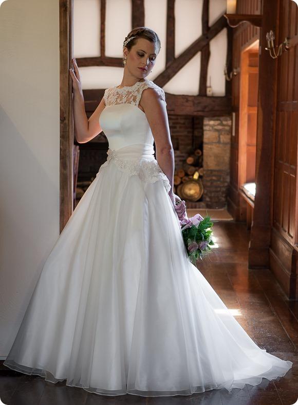 Megan-Louise---Qiana-Bridal---Classi
