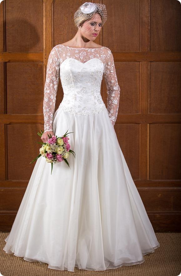 Rebecca----Qiana-Bridal---Classic-Ro