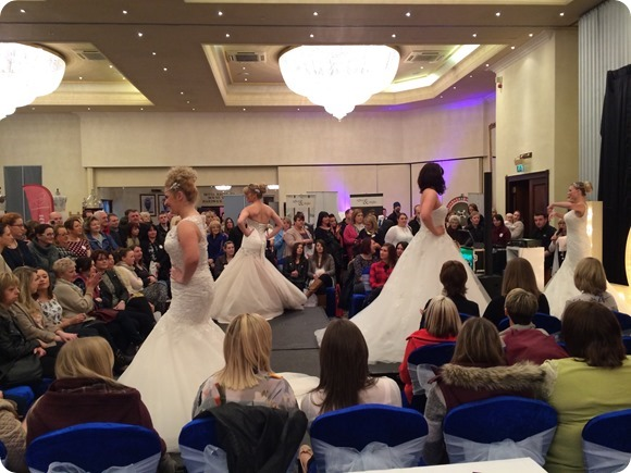 (c) 2014 Brides Up North