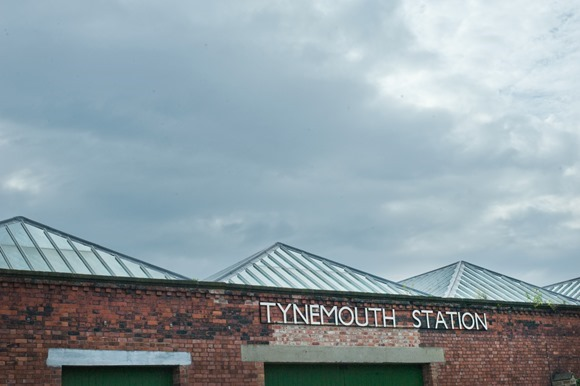 Wedding at Tynemouth Lighthouse (c) Little Miss Boyco