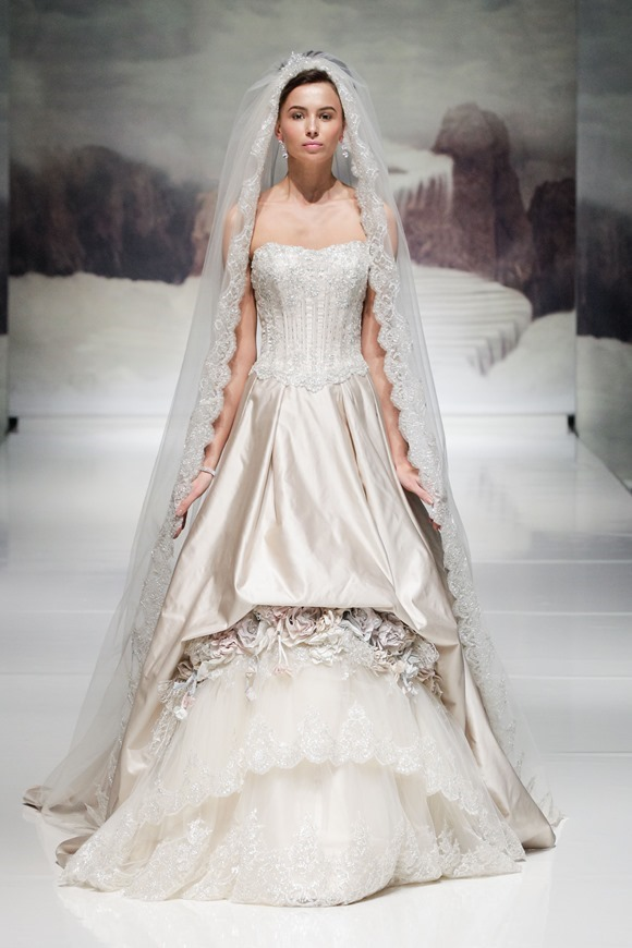 Ian Stuart Bride - Lady Luxe - 2015 Collection