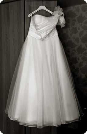 Justin Alexander wedding dress by Ruth Mitchell Photography