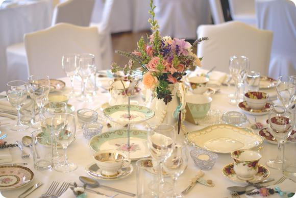 Memories Of Vintage - Vintage Crockery Hire For Weddings